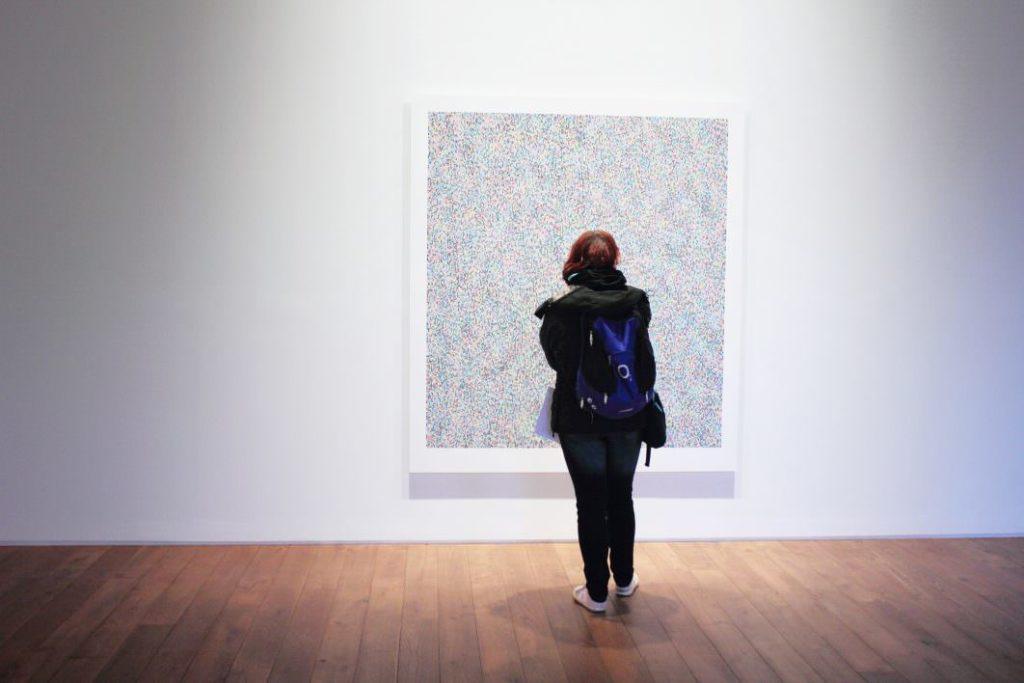 Arts du spectacle, arts plastiques et marché de l'art